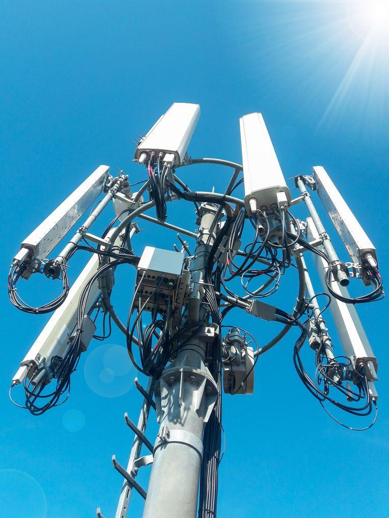 In Amsterdam staan 2300 antennes voor mobiele telefonie. Dat worden er volgens de telecombedrijven bij 5G hoogstens 10 procent meer.  Beeld TPROduction/Getty Images/iStockphoto