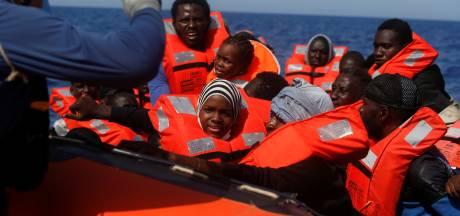 Plus de 700 migrants secourus durant le week-end en Méditerranée