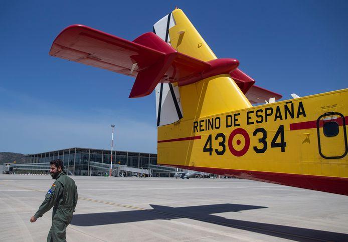 Een van de Spaanse blusvliegtuigen.