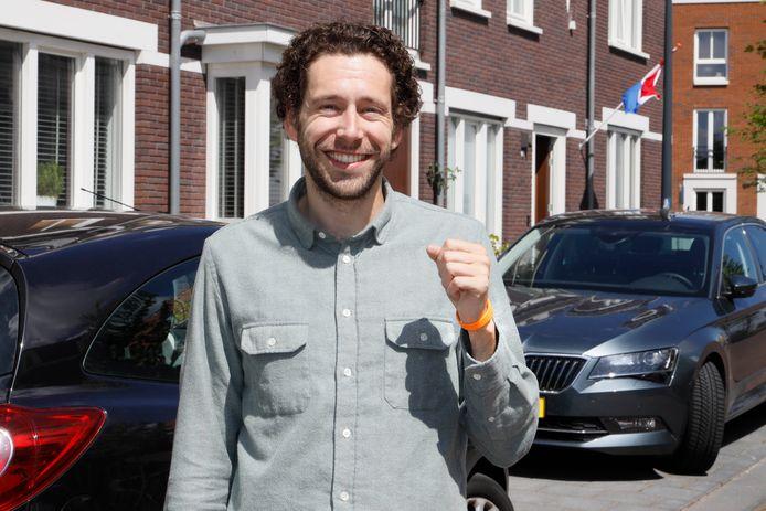 Joris Jan Voermans met het oranje polsbandje.
