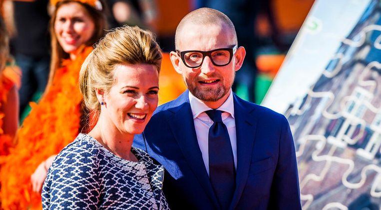 Prins Bernhard jr. en zijn vrouw prinses Annette tijdens Koningsdag in De Rijp. Beeld anp