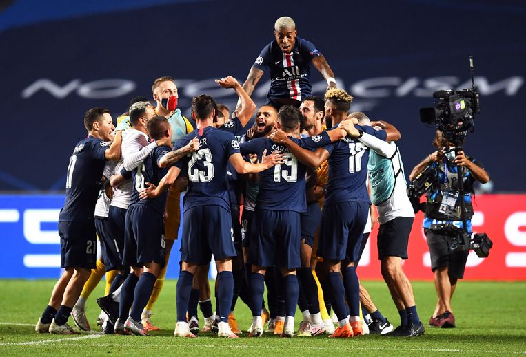 Vreugde bij PSG, na de overwinning (0-3) tegen Leipzig. Beeld EPA