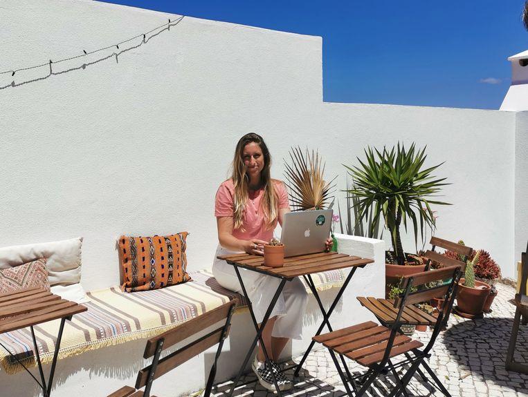 Bed & Breakfast-eigenaar Darcie Paardekooper kreeg de afgelopen dagen talloze annuleringen binnen van Nederlandse gasten die deze zomer bij haar vakantie zouden vieren. Beeld Marlies van Leeuwen