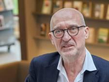 Bibliothecaris Hans van Duijnhoven na 40 jaar weg; 80 boeken per jaar lezen vindt hij veel te weinig