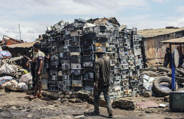 Foto ter illustratie. Gesorteerd afval op de grootste elektronische vuilnisbelt van Afrika, Agbobloshie in de Ghanese hoofdstad Accra.  Op de foto staan geen mining-computers.  Beeld Getty Images