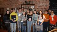 Rode Kruis deelt cadeaus uit aan winnaars fotowedstrijd