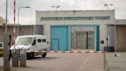 Terreurgevangenen spelen schietgames in cel
