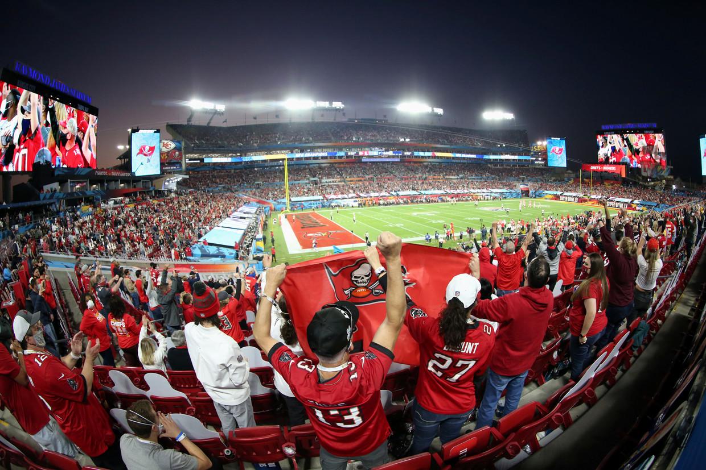 In het Raymond James Stadion in Florida zaten voor de Super Bowl naast een hoop kartonnen borden ook 25.000 echte mensen, zo'n 30 procent van de capaciteit.  Beeld USA TODAY Sports