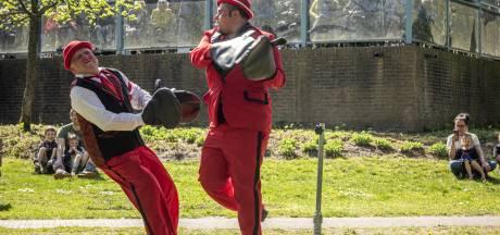 Circus treedt als dank voor opvang op bij woonzorgcentrum in Lochem
