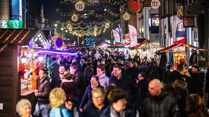Drukke eerste avond tijdens de kerstmarkt in Dordrecht