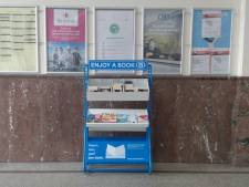 NMBS installeert boekenruilkasten in stations van Brugge en Torhout