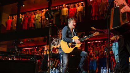 1 optreden uitgesteld, 844 mensen zonder werk: zij verdienen allemaal geen cent als Bart Peeters geen concerten mag geven