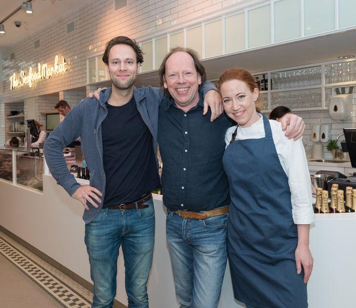 Fons de Visscher (m) met zoon Pepijn en dochter Fleur in de vestiging aan de Ferdinand Bolstraat in Amsterdam.