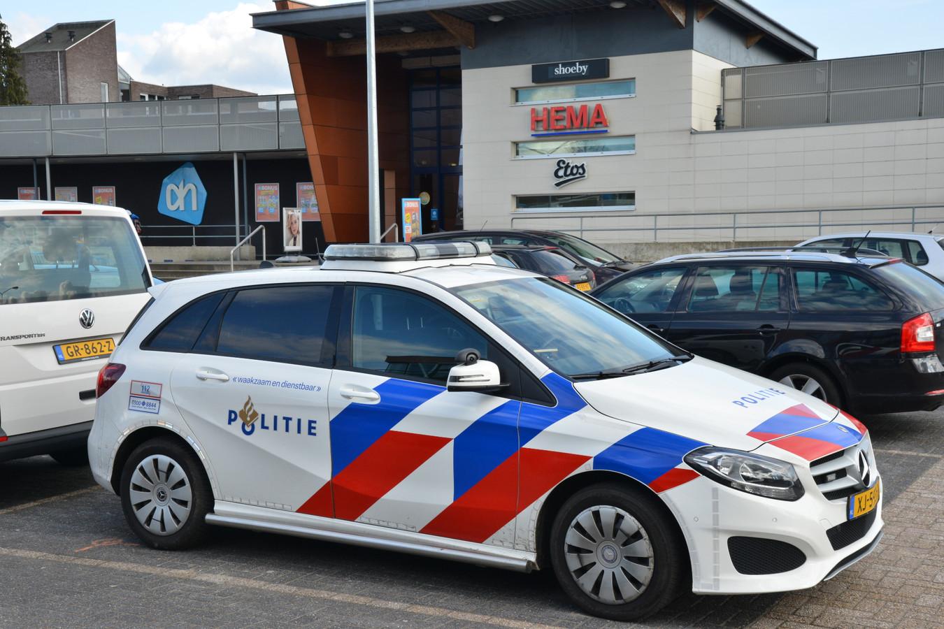 Politie onderzoekt de overval op de Hema in Zundert.