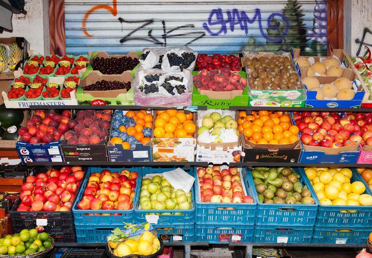 Turkse groenteboer op de Kinkerstraat. Beeld Nina Schollaardt