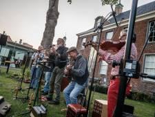 40 jaar Smidje Verholen: 'Verhalen muzikaal vertolken rond de platte buiskachel'