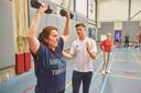 Studenten van ROC De Leijgraaf in Veghel haalden eerder mensen uit hun isolement door ze te laten sporten. In coronatijd lukt dat niet.