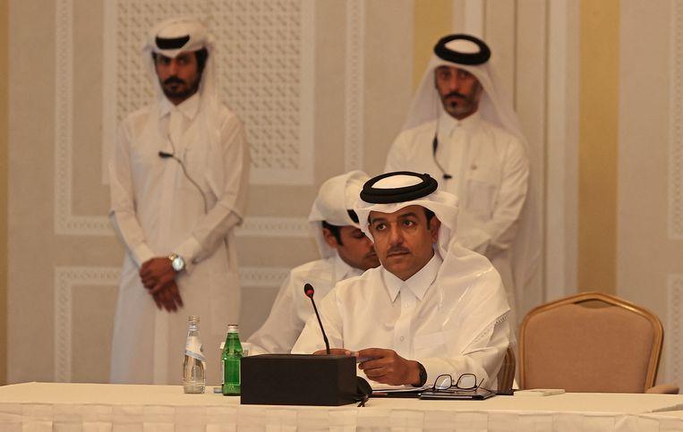 Afghanistan-gezant van de Qatarese regering Mutlaq bin Majed Al-Qahtani tijdens een vergadering van Taliban-leiders en buitenlandse diplomaten in de hoofdstad van Qatar Doha.  Beeld KARIM JAAFAR / AFP