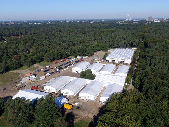 Tentenkamp op Heumensoord waar vluchtelingen opgevangen worden.