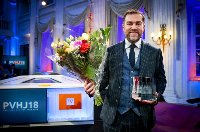 Klaas Dijkhoff (VVD) is uitgeroepen tot de EenVandaag Politicus van het Jaar in de Oude Zaal van de Tweede Kamer. ANP REMKO DE WAAL