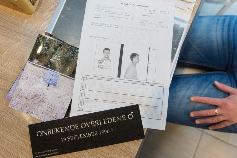Laurent Delelis stierf in 1996 een Amsterdamse gracht. Zijn identiteit werd twintig jaar later achterhaald, door het Amsterdamse coldcase-team. Beeld Sander de Wilde