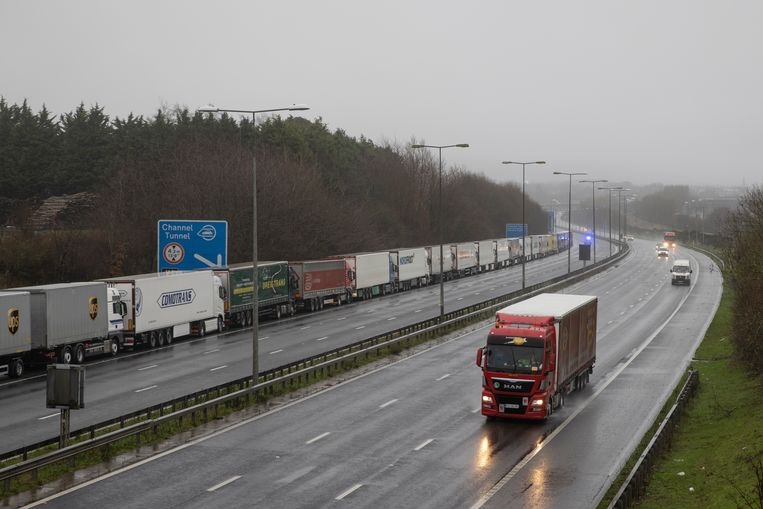 Live | 'Honderden Nederlandse chauffeurs vast in Verenigd Koninkrijk'