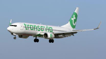 """Transavia-vlucht maakt stop nadat passagier """"Allahoe akbar"""" krijst en cockpit wil binnendringen"""