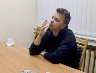 """Protasevitsj bejubelt Loekasjenko in interview op Wit-Russische staatstelevisie: """"Pijnlijk om deze 'bekentenissen' te zien"""""""