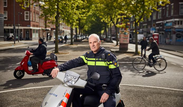 Ed Brouwer: ,,De jeugd van nu is wijzer, raakt niet snel van slag bij een reprimande van een agent.''