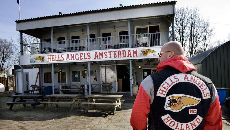 Het clubhuis van de Hells Angels in Amsterdam. De Hells Angels moeten hun clubterrein aan de H.J.E. Wenckebachweg in Amsterdam verlaten.Foto ANP Beeld