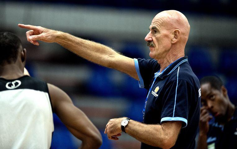 Toon van Helfteren, bondscoach van het mannen basketbalteam. Beeld Klaas Jan van der Weij