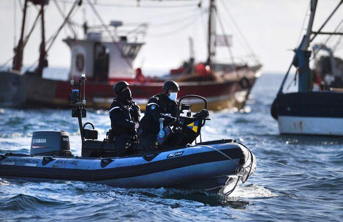 De Franse zeepolitie patrouilleert.