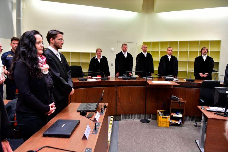 Beate Zschäpe hoort de uitspraak in de rechtbank in München.  Beeld AP