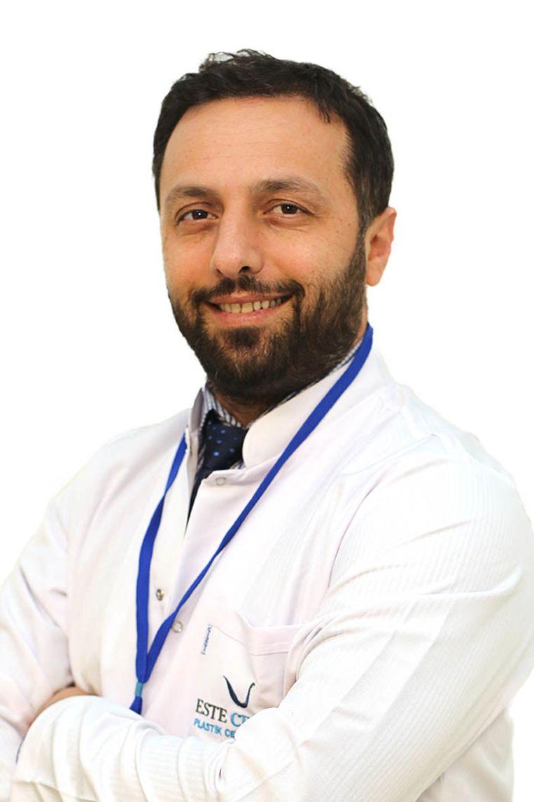 Aydin Tekgöz is al jaren cosmetisch chirurg in Istanboel. Beeld Aydın Tekgoz