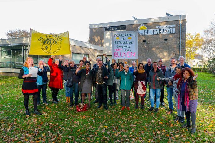 Eerder werd er flink geprotesteerd tegen de sluiting van de Parasol in Veldhoven.