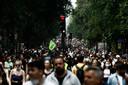 Betogers tegen extreemrechts in Parijs
