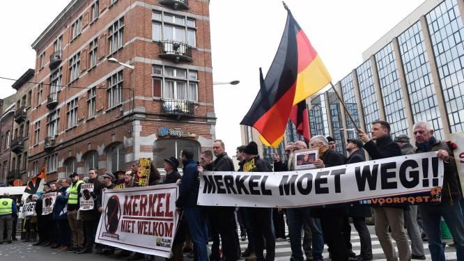 Manifestation contre la remise du doctorat d'honneur à Angela Merkel