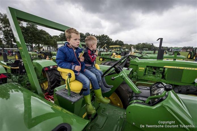 De Oldtimershow Losser viel ook in de smaak bij jonge tractor-liefhebbers.
