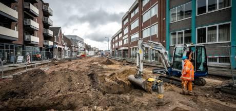 Kasseien komen tevoorschijn bij start werkzaamheden aan Geldropseweg in Eindhoven