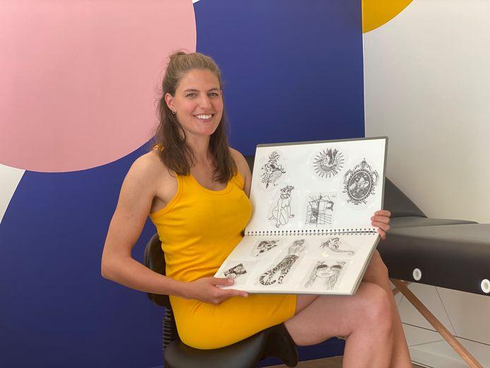 Laura Berteloot in haar nieuwe tattoostudio Ipanema.