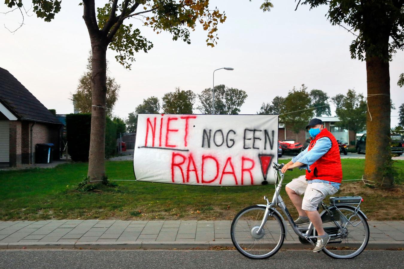 Protest in Herwijnen tegen de komst van een defensieradar (archiefbeeld).