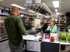 Flinke rijen voor de hengelsportwinkel: 'We hebben het visvirus te pakken'