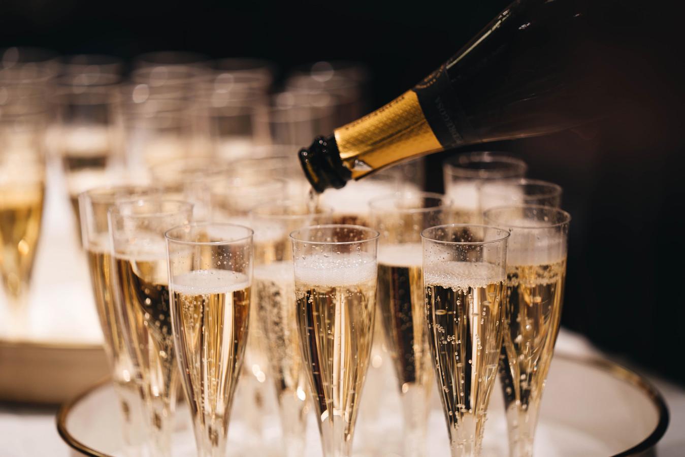 Illustratiebeeld champagne