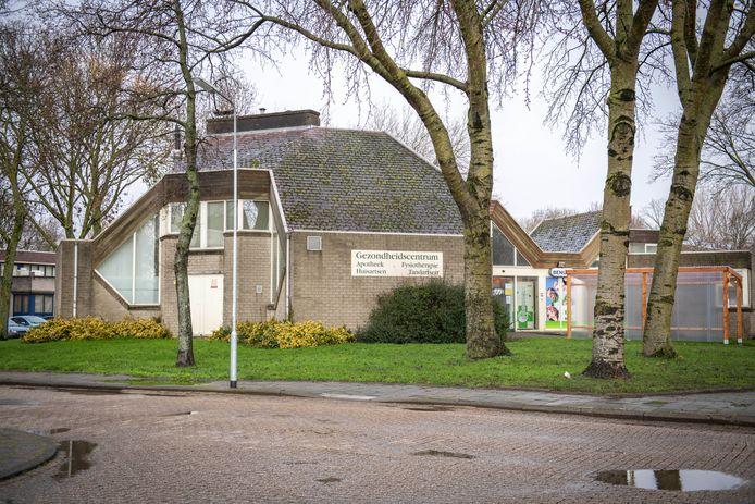 Het gezondheidscentrum aan de Roozenburglaan word binnenkort gerenoveerd.