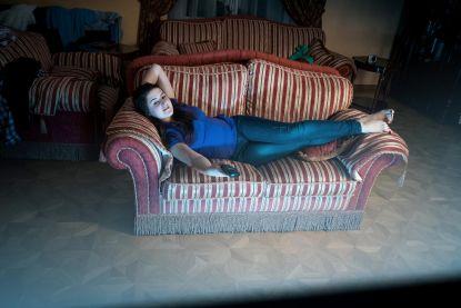Verrassend onderzoek: wie uit gewoonte voor tv hangt, stelt bedtijd minder uit