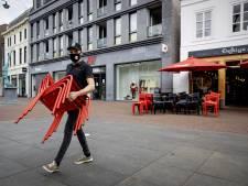 Terrassenprotest grotendeels ludiek: 'Maar we sluiten niet uit dat er echt terrassen opengaan'
