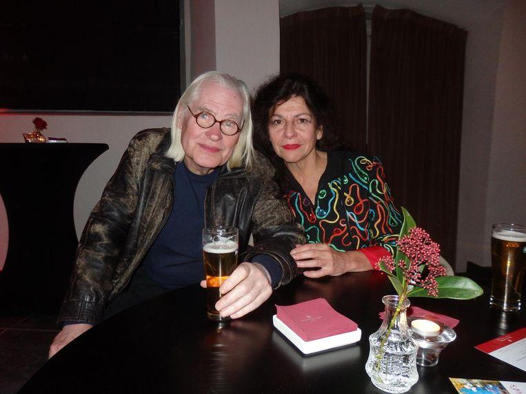 Acteur Peer Mascini en zijn partner Marty van Beuzekom. 'Nee, niet partner. Vriendin. Mag dat, Peer? Vriendin is liever.' Beeld Schuim