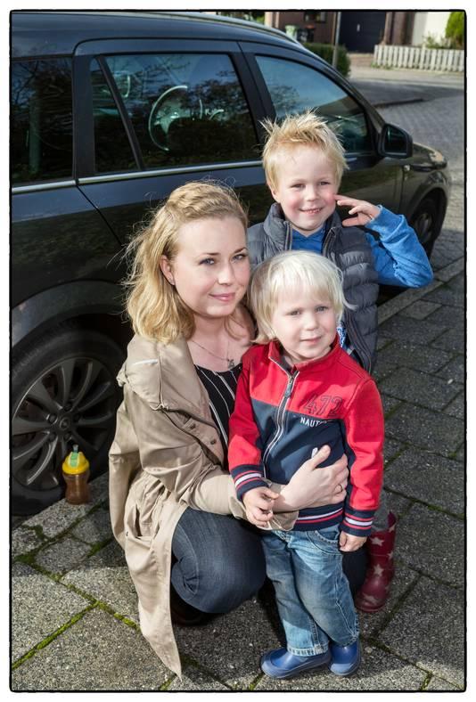 De oudste zoon van Eva Tuin-Filius  liep vijf jaar geleden niet aangeboren hersenletsel op door een ernstig auto-ongeluk.