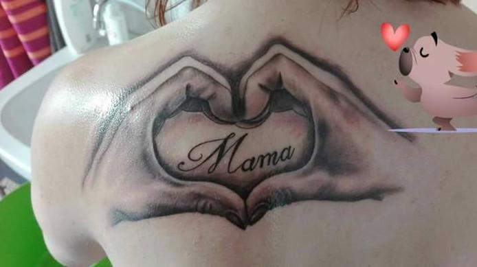 Extreem Deze tatoeages zijn een eerbetoon aan mama | Home | gelderlander.nl #FU82