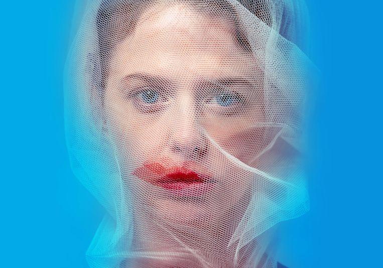 Maaike Neuville speelt Emma Bovary in 'Bovary' (KVS, Brussel). Beeld VRT